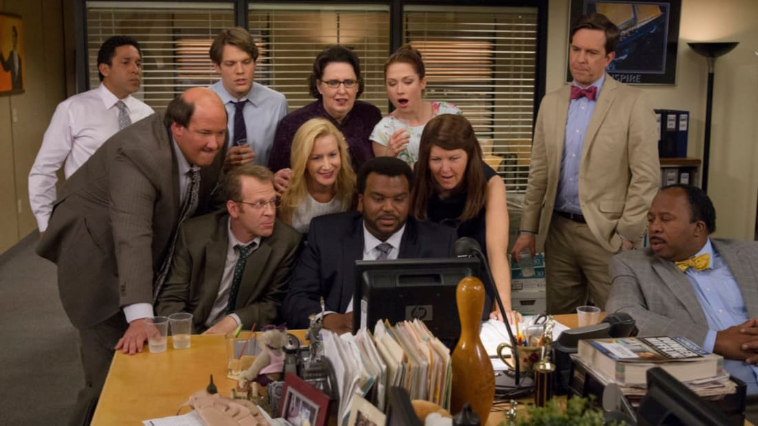 Oscar Nuñez, Brian Baumgartner, Jake Lacy, Paul Lieberstein, Angela Kinsey, Phyllis Smith, Craig Robinson, Ellie Kemper, Kate Flannery, Ed Helms, and Leslie David Baker in The Office.