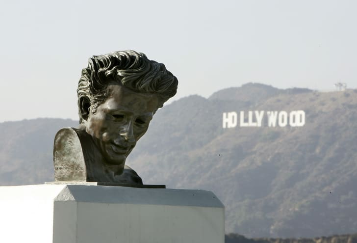 View of a statue of James Dean at the Griffith Observatory