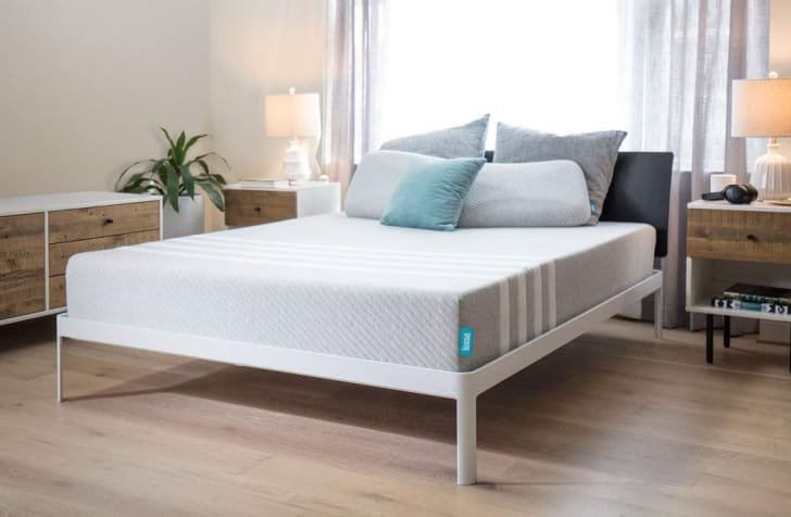 Leesa's universal adaptive feel memory foam cooling mattress