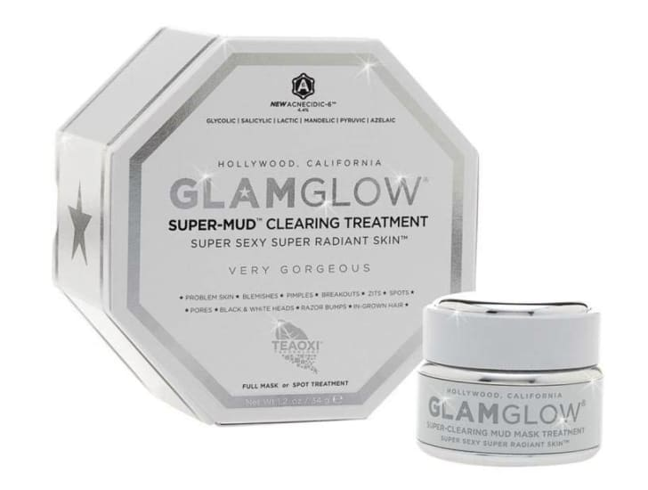 An image of Glamglow's Supermud clearing treatment.