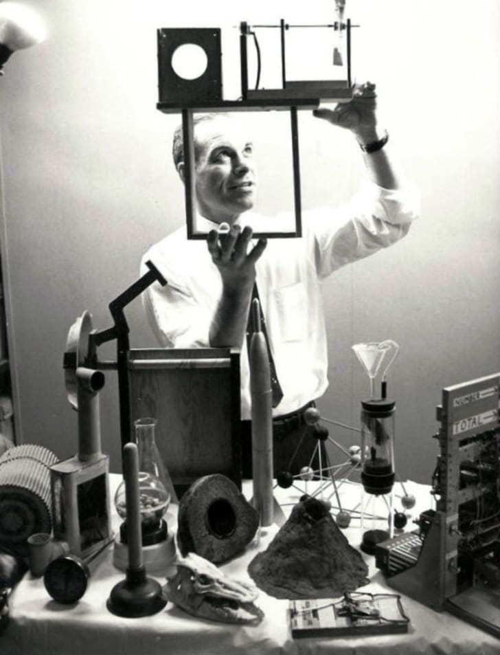 Don Herbert appears in a publicity photo for 'Watch Mr. Wizard'