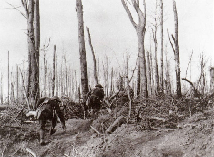 Marines advance at Meuse-Argonne, WWI