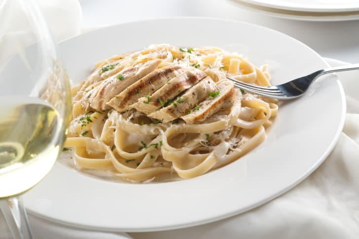 image of grilled chicken alfredo