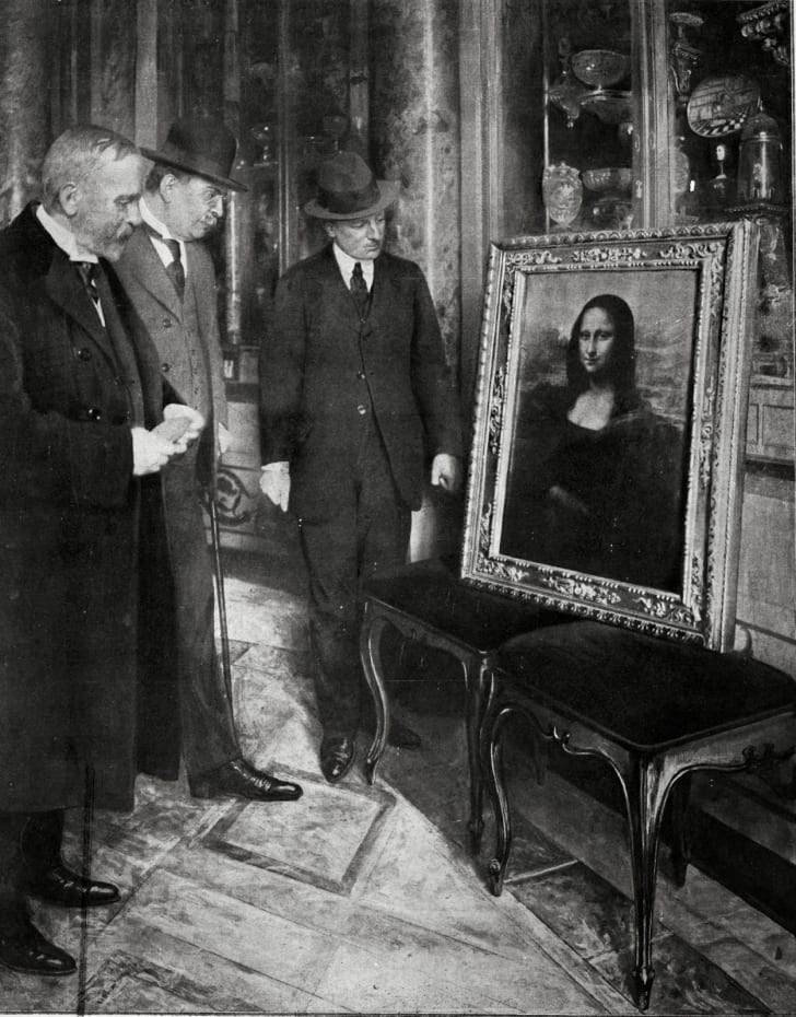 Mona Lisa returned to the Uffizi Gallery in 1913