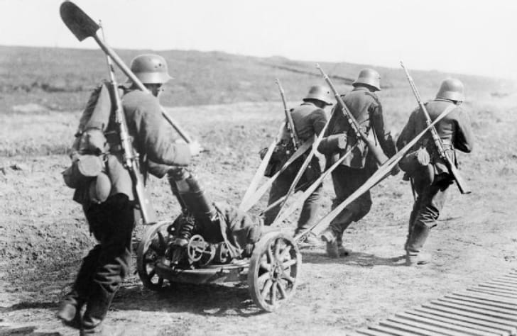 German troops towing a mortar, World War I, 1918