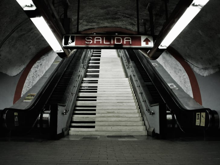piano stairs at Polanco station