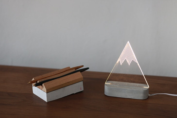 Snowy mountain lamp