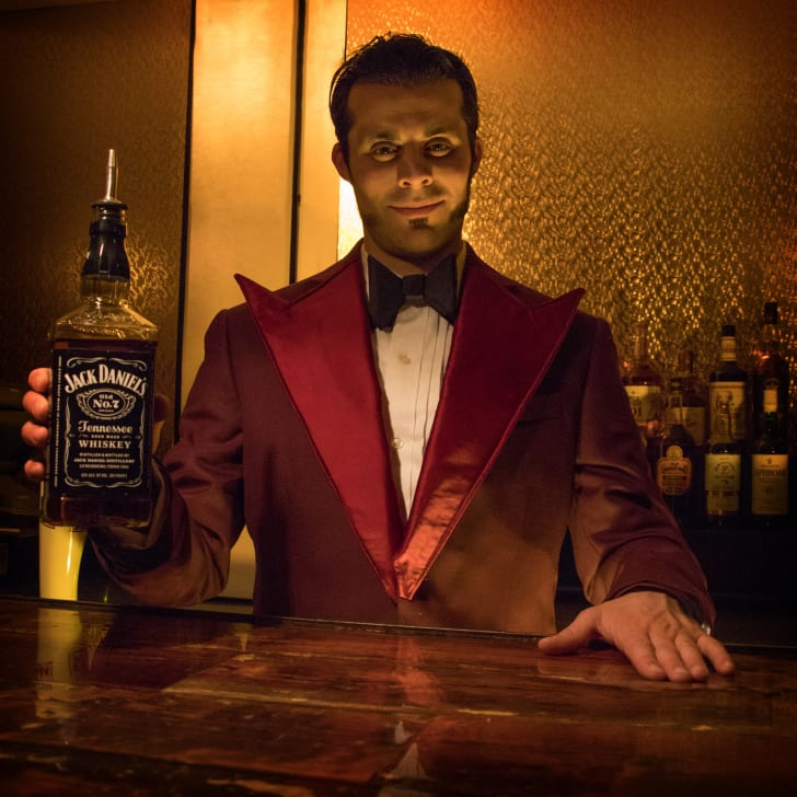 "Bartender at Chicago's pop-up ""The Shining""-themed bar"