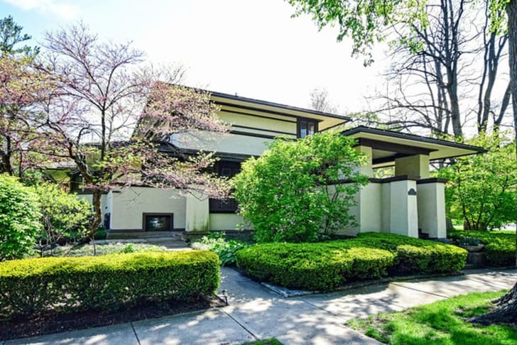 Exterior shot of the F.B. Henderson House by American architect Frank Lloyd Wright in Elmhurst, Illinois