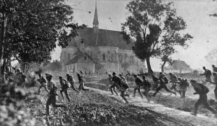 Russian troops fleeing after the failure of the offensive