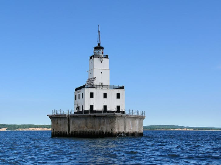 4 Michigan Lighthouses Are Up For Sale   Mental Floss