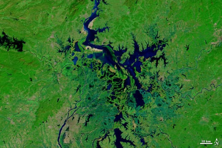 10 Lakes That Are Disappearing or Already Gone | Mental Floss