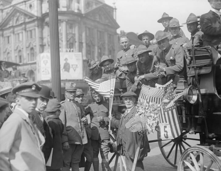 18 Vintage Photos of People Celebrating Independence Day