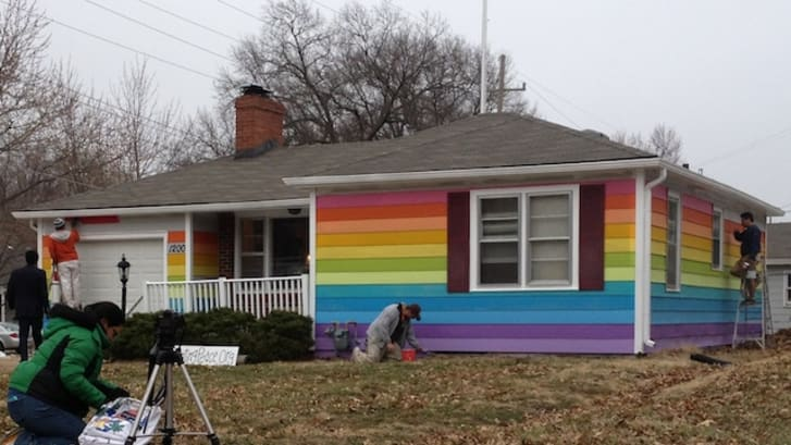 10 Houses Painted in Protest | Mental Floss