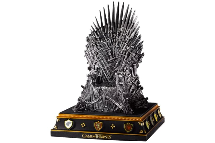 A bookend shaped like the Iron Throne from 'Game of Thrones'