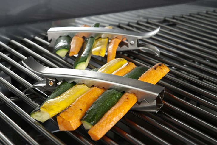 Grill clips with vegetables inside