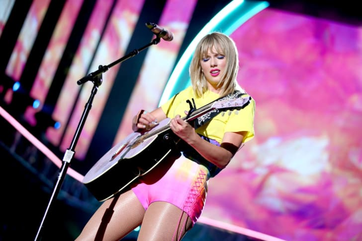 Taylor Swift performs onstage at 2019 iHeartRadio Wango Tango presented by The JUVÉDERM® Collection of Dermal Fillers at Dignity Health Sports Park on June 01, 2019