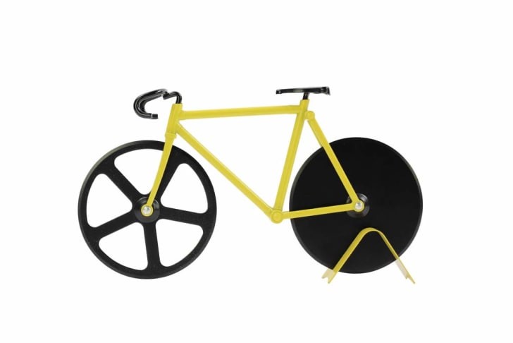 Weird Christmas Gifts: Bicycle Pizza Cutter.