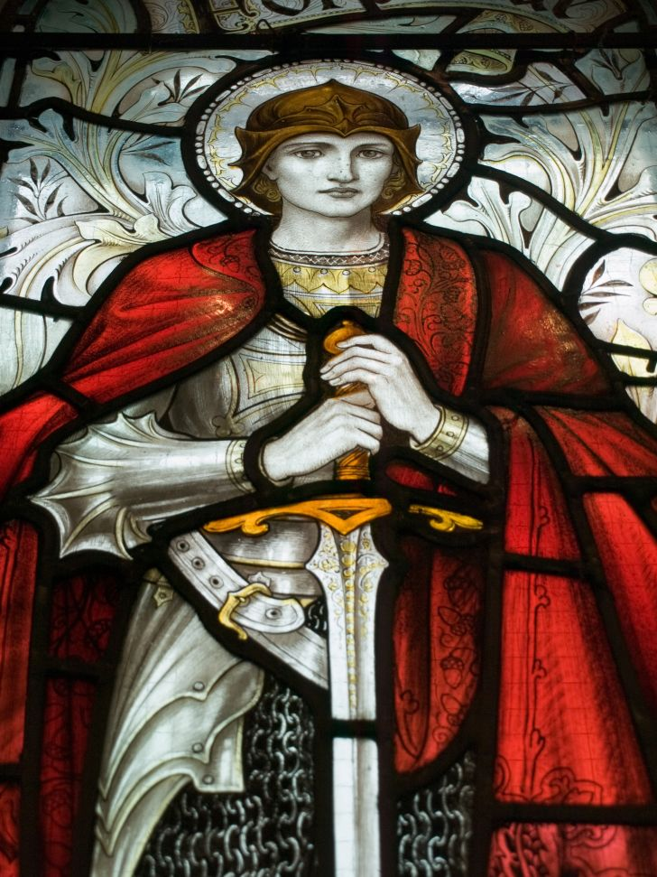Stained glass image of Joan of Arc.