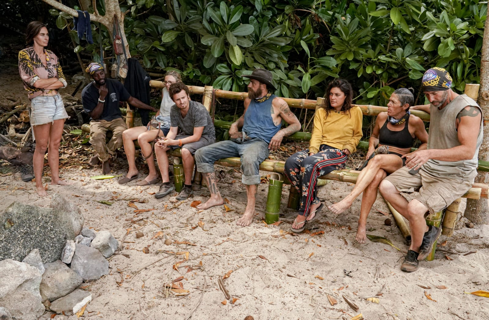 Merge bench Survivor Winners at War episode 8