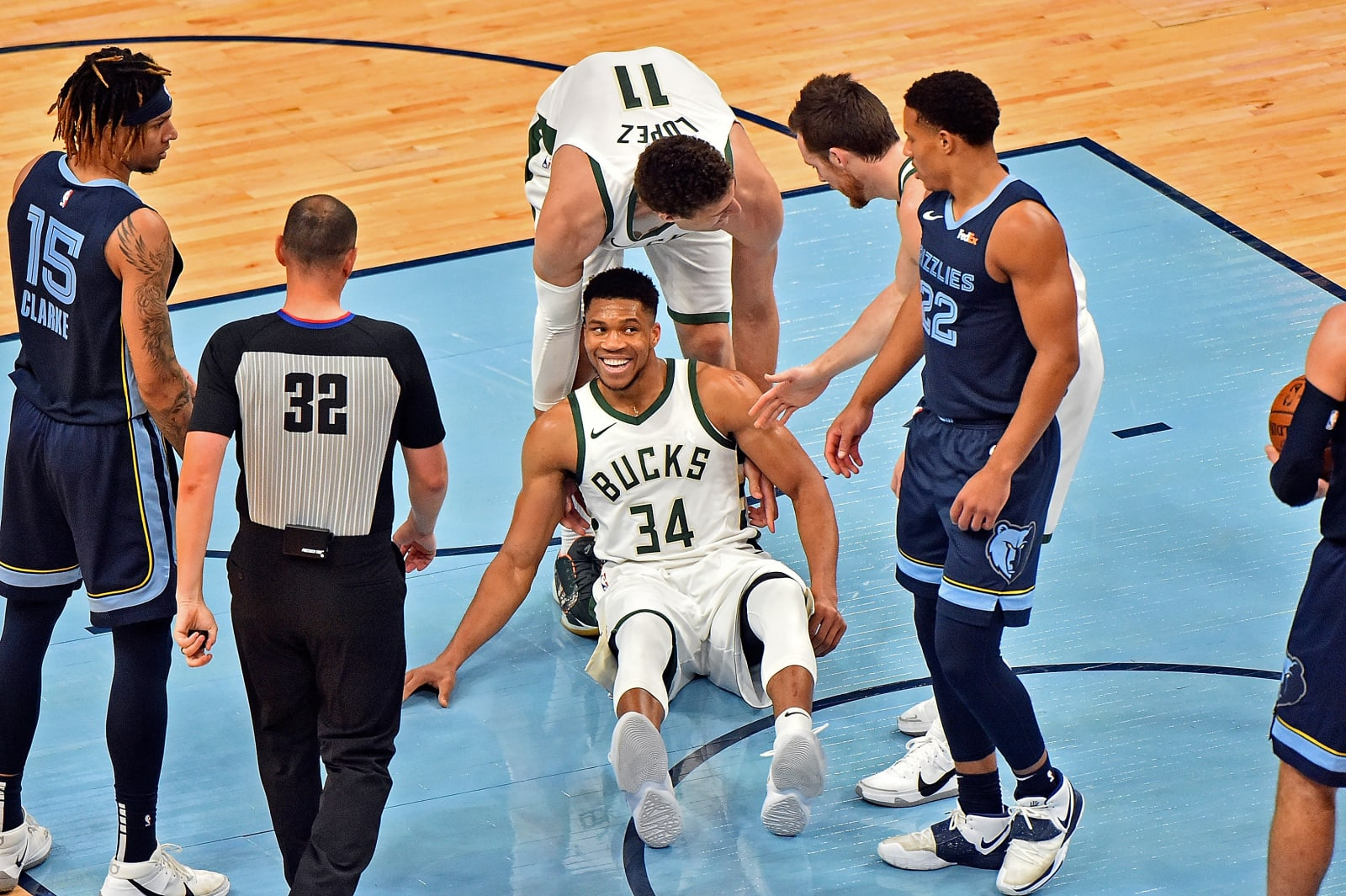 Milwaukee Bucks: Giannis Antetokounmpo, Brook Lopez, Pat Connaughton, Memphis Grizzlies: Brandon Clarke, Desmond Bane