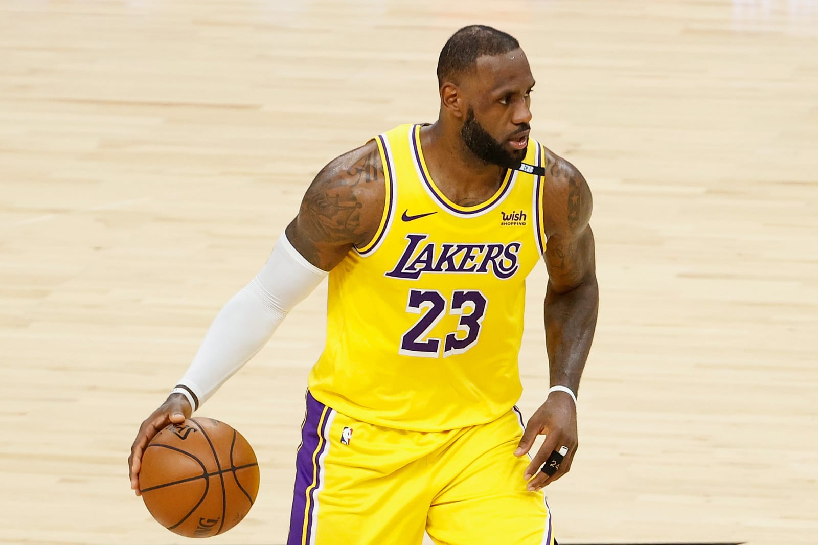 Los Angeles Lakers: 2 former LeBron James teammates to sign