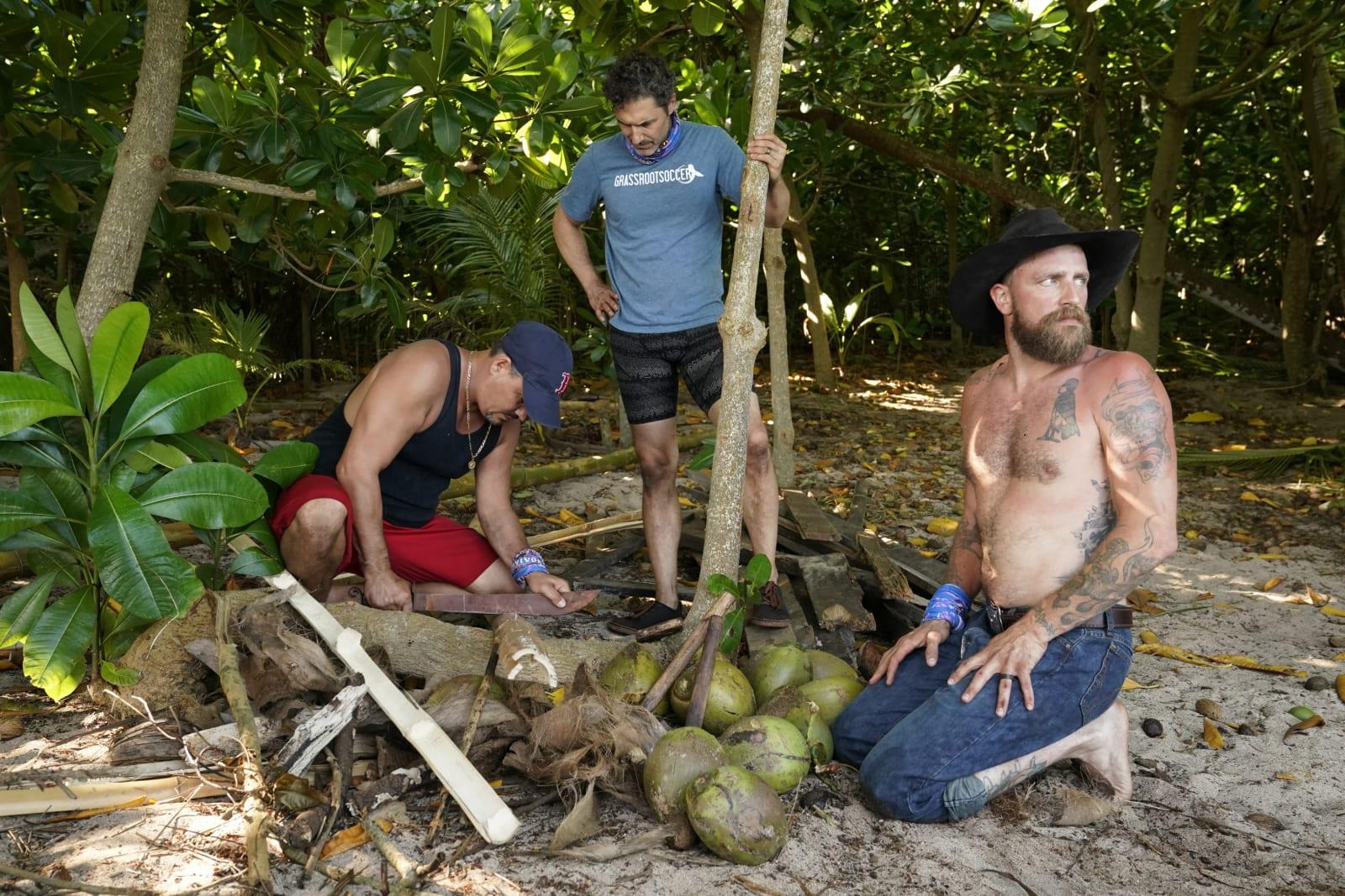Sele Tribe building shelter Survivor Winners at War episode 1