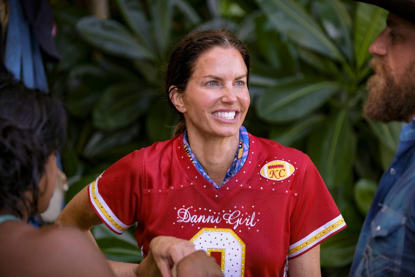 Danni Boatwright Danni Girl Survivor Winners at War episode 1