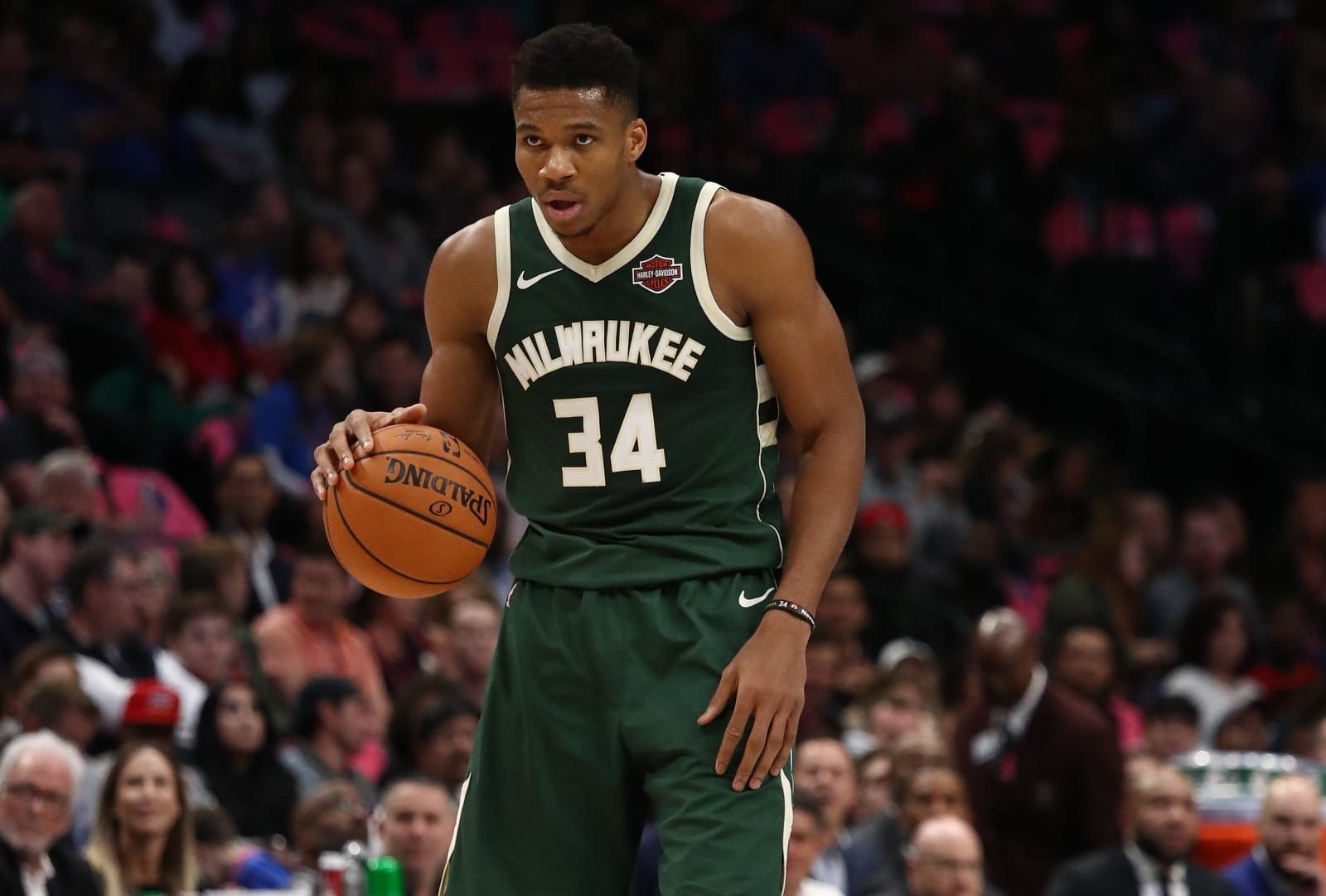 Dallas Mavericks, Giannis Antetokounmpo