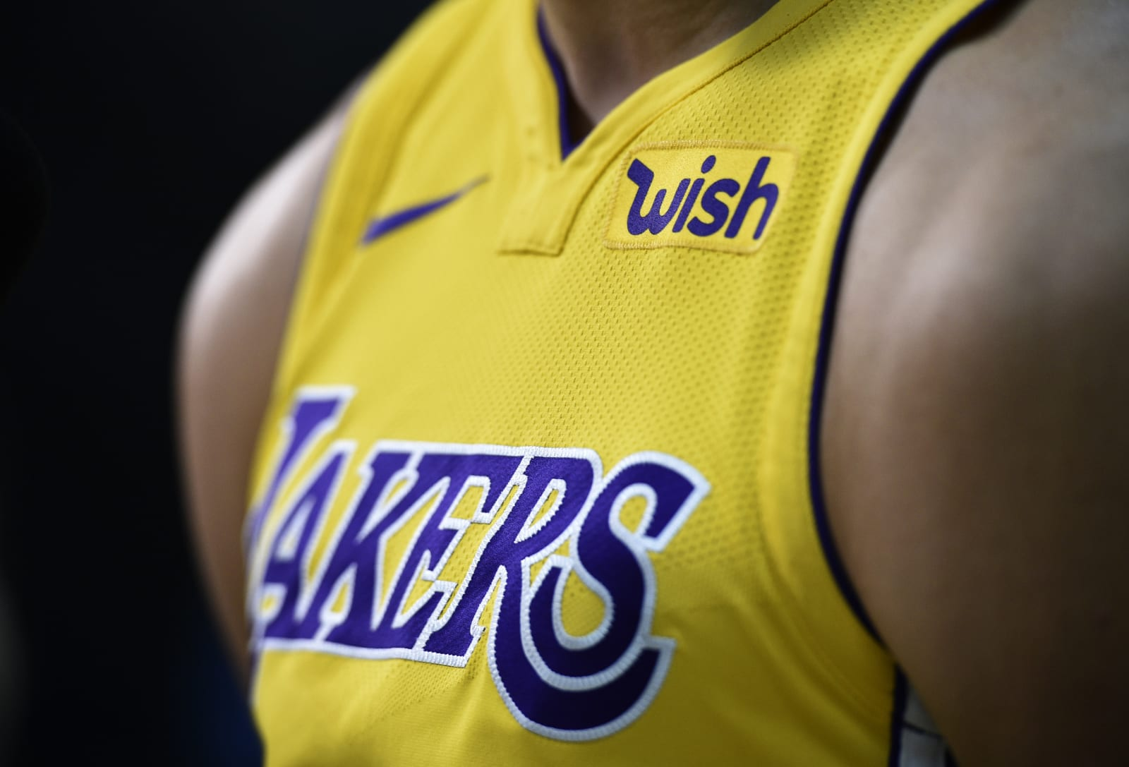 lakers jersey history