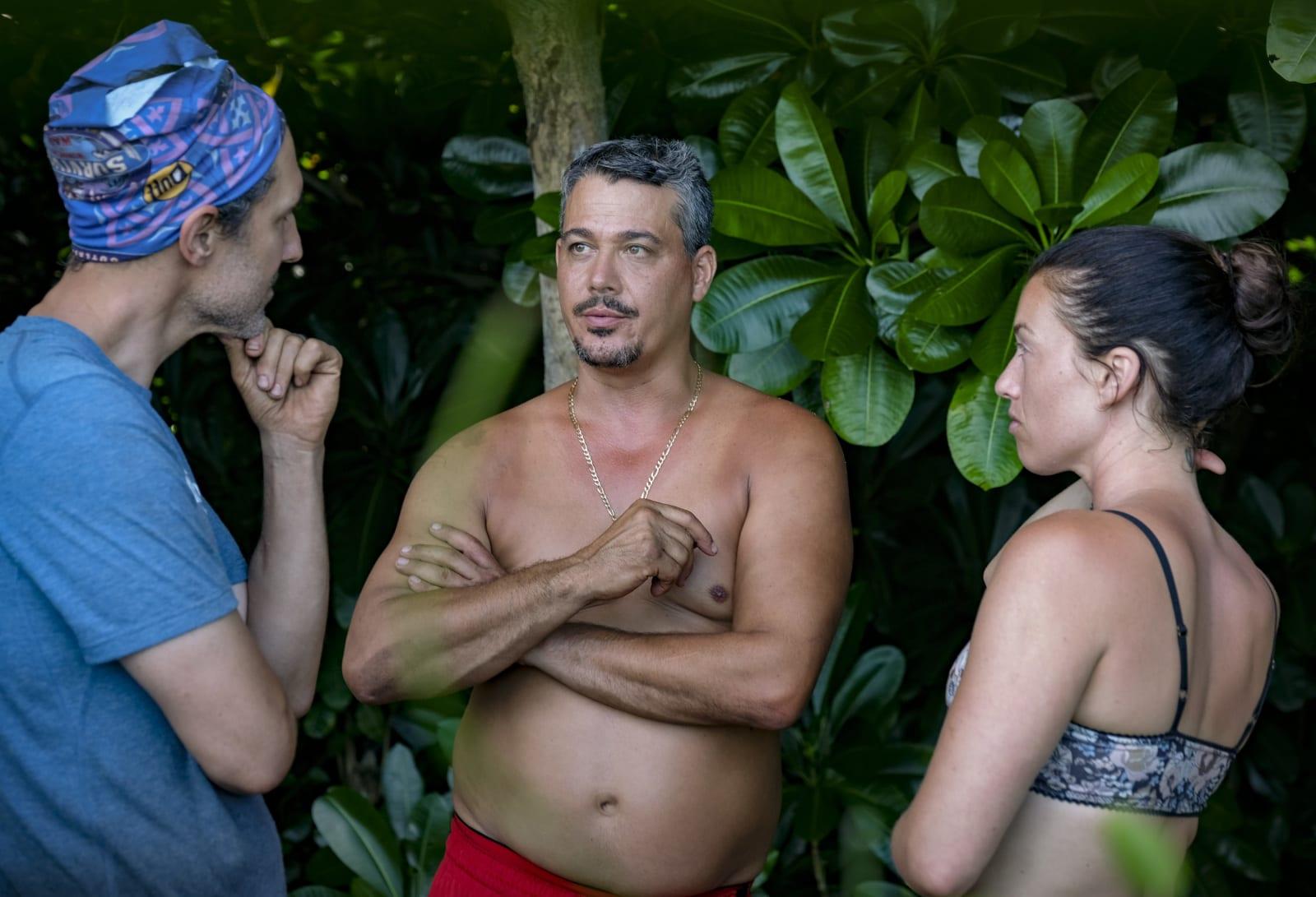 Ethan Zohn Boston Rob Parvati Shallow Survivor Winners at War episode 1