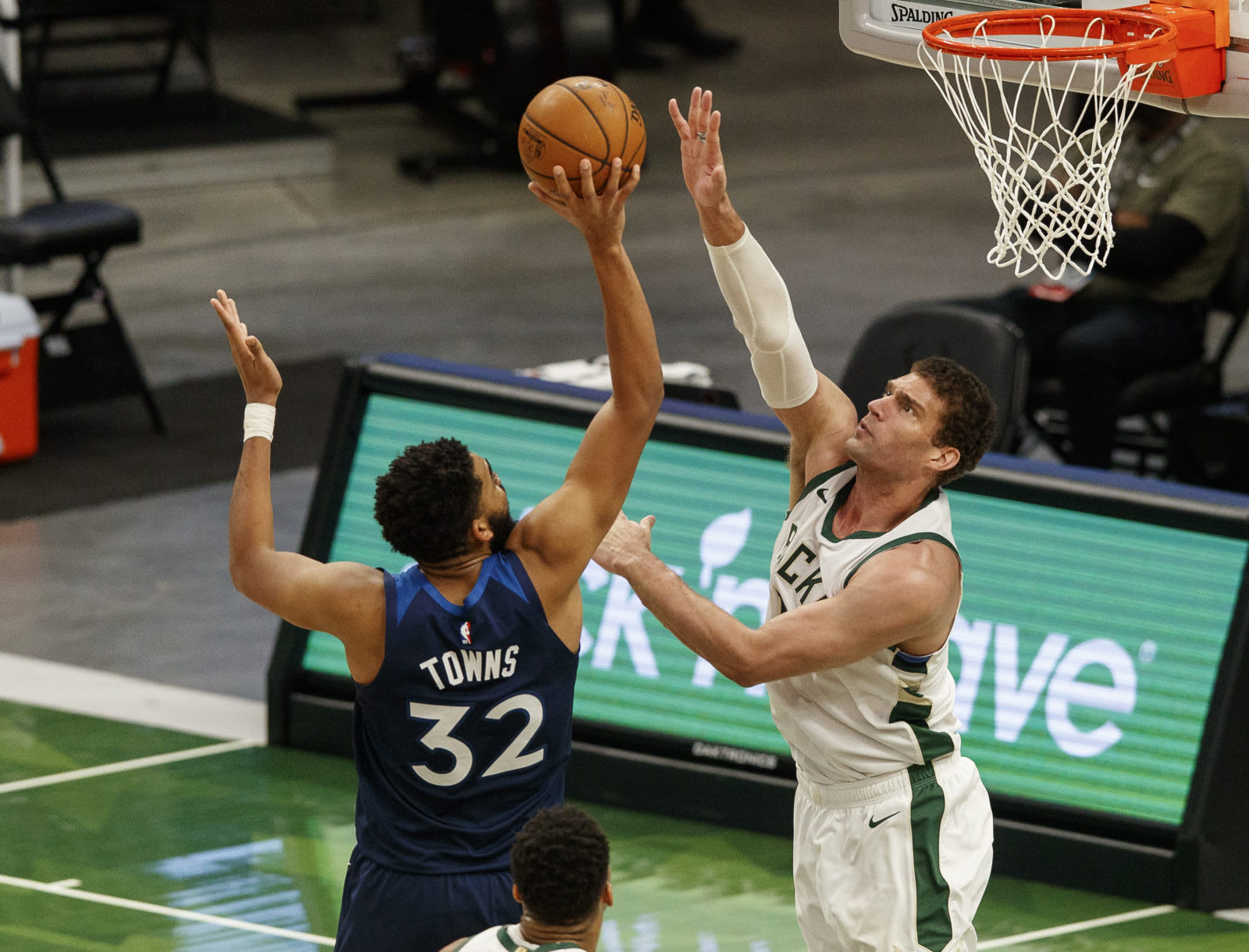 Milwaukee Bucks: Regrading the important Brook Lopez signing - Page 2