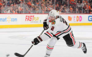 Duncan Keith shoots
