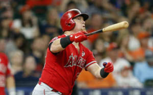 LA Angels Kole Calhoun continues to stay hot honoring his friend Tyler Skaggs