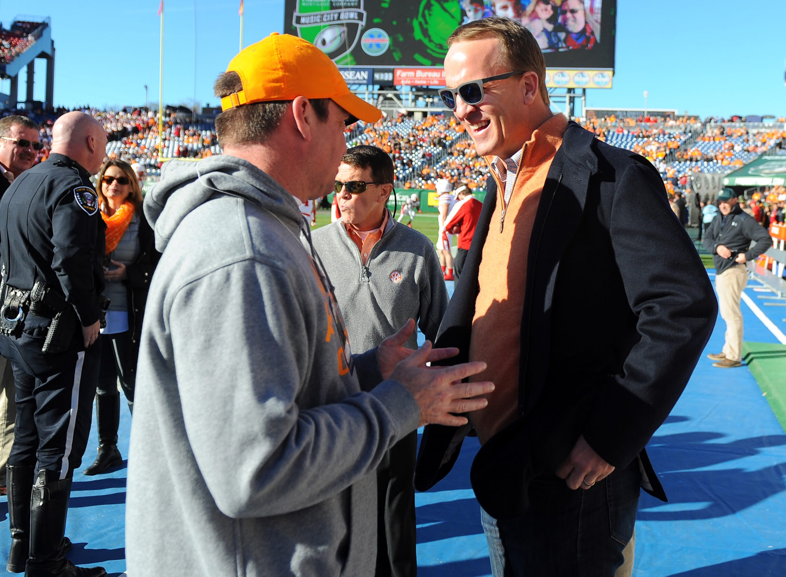 Tennessee football: What if Peyton Manning chose Ole Miss ...