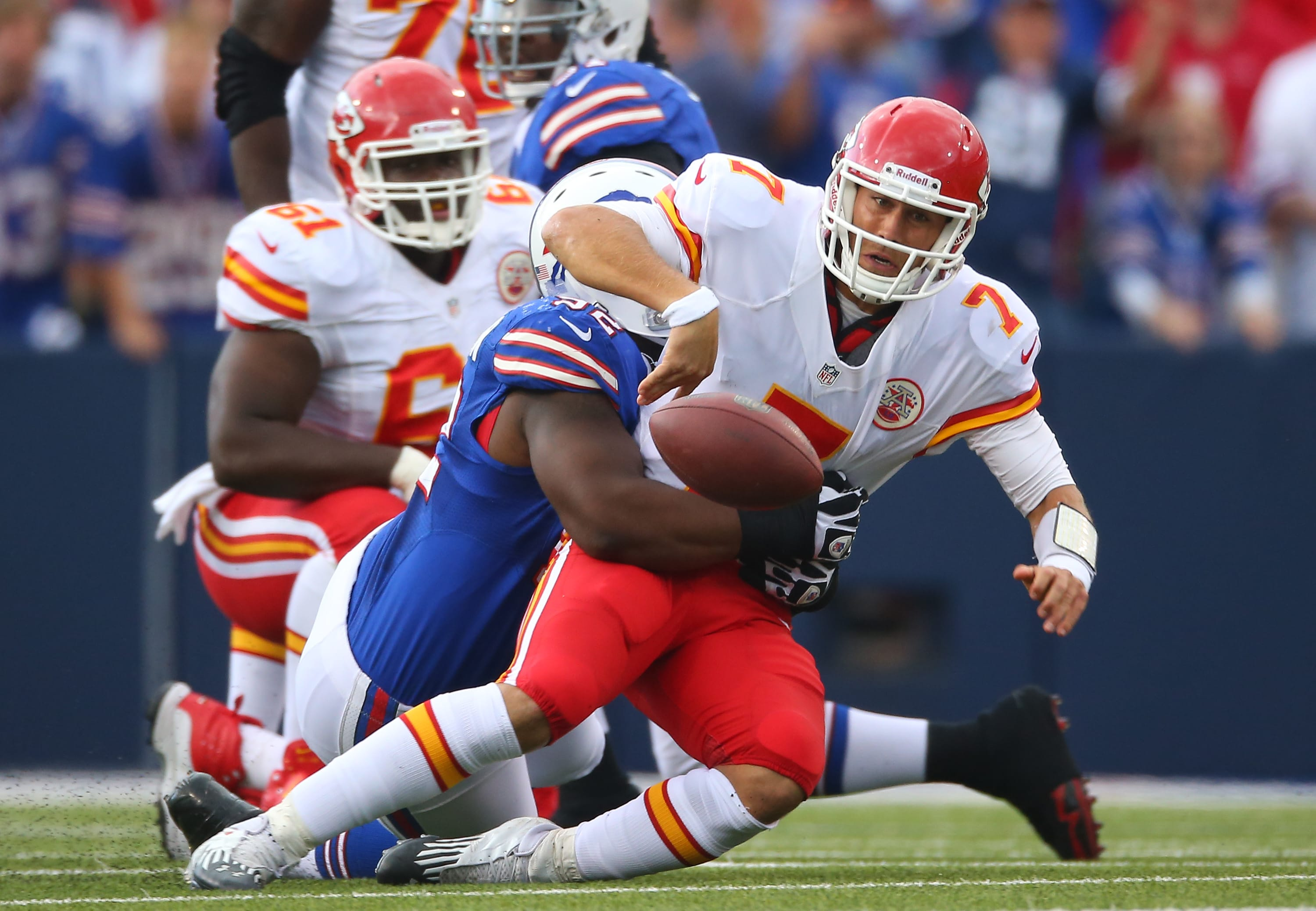 Matt Cassel #7 of the Kansas City Chiefs fumbles the ball (Photo by Tom Szczerbowski/Getty Images)