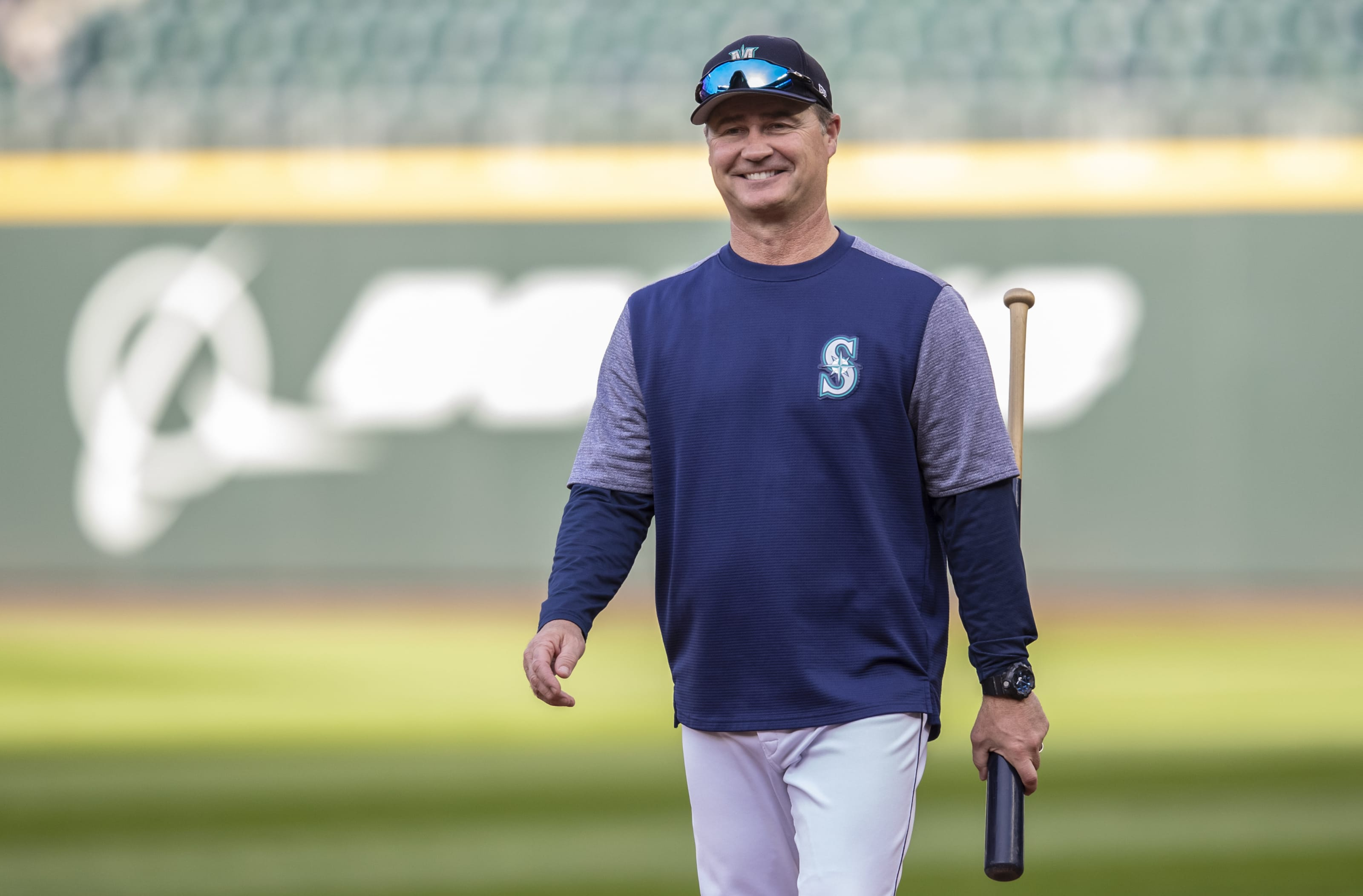 Seattle Mariners manager Scott Servais smiles.