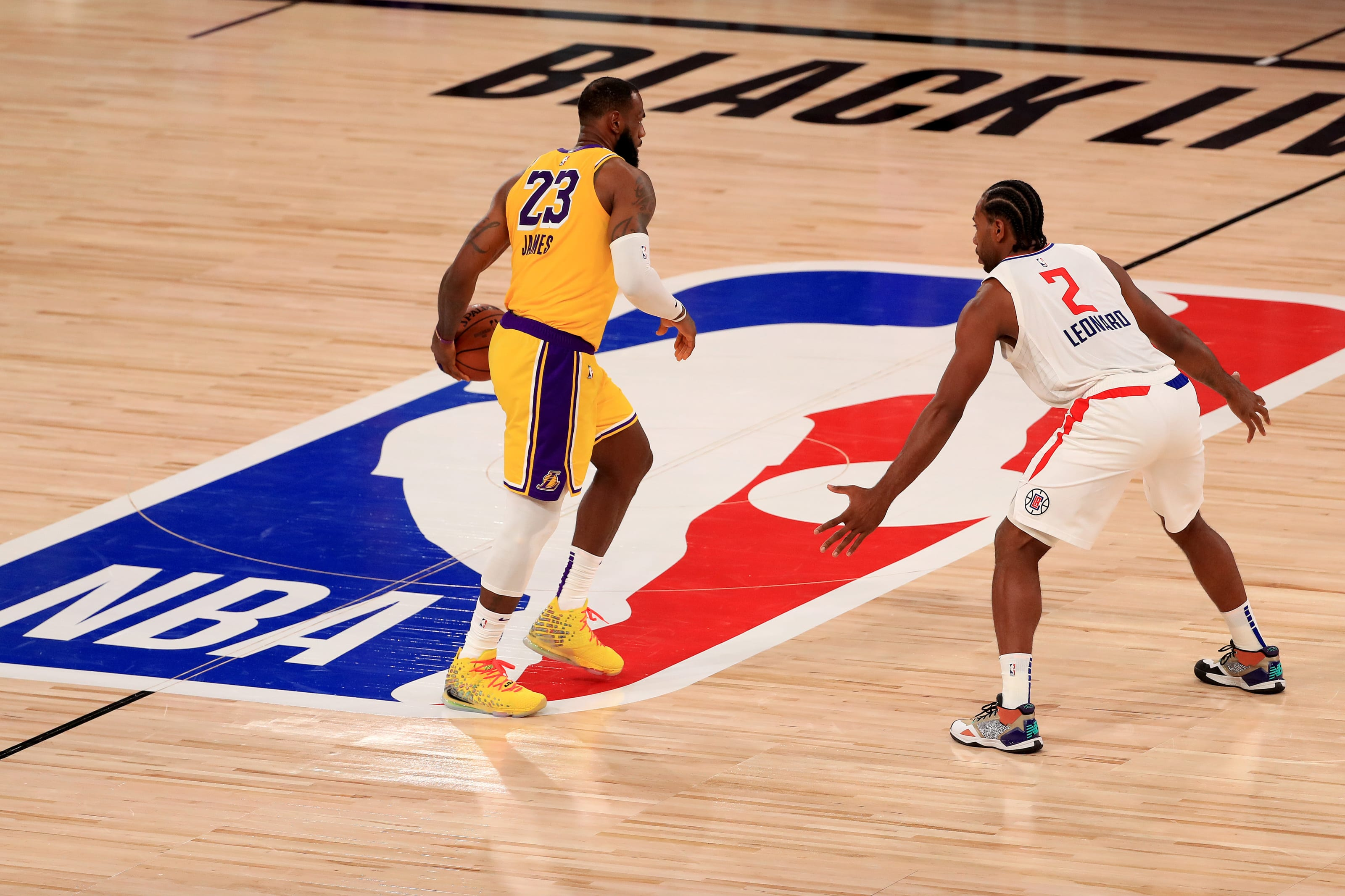 Los Angeles Lakers How Lebron James Should Attack Kawhi Leonard