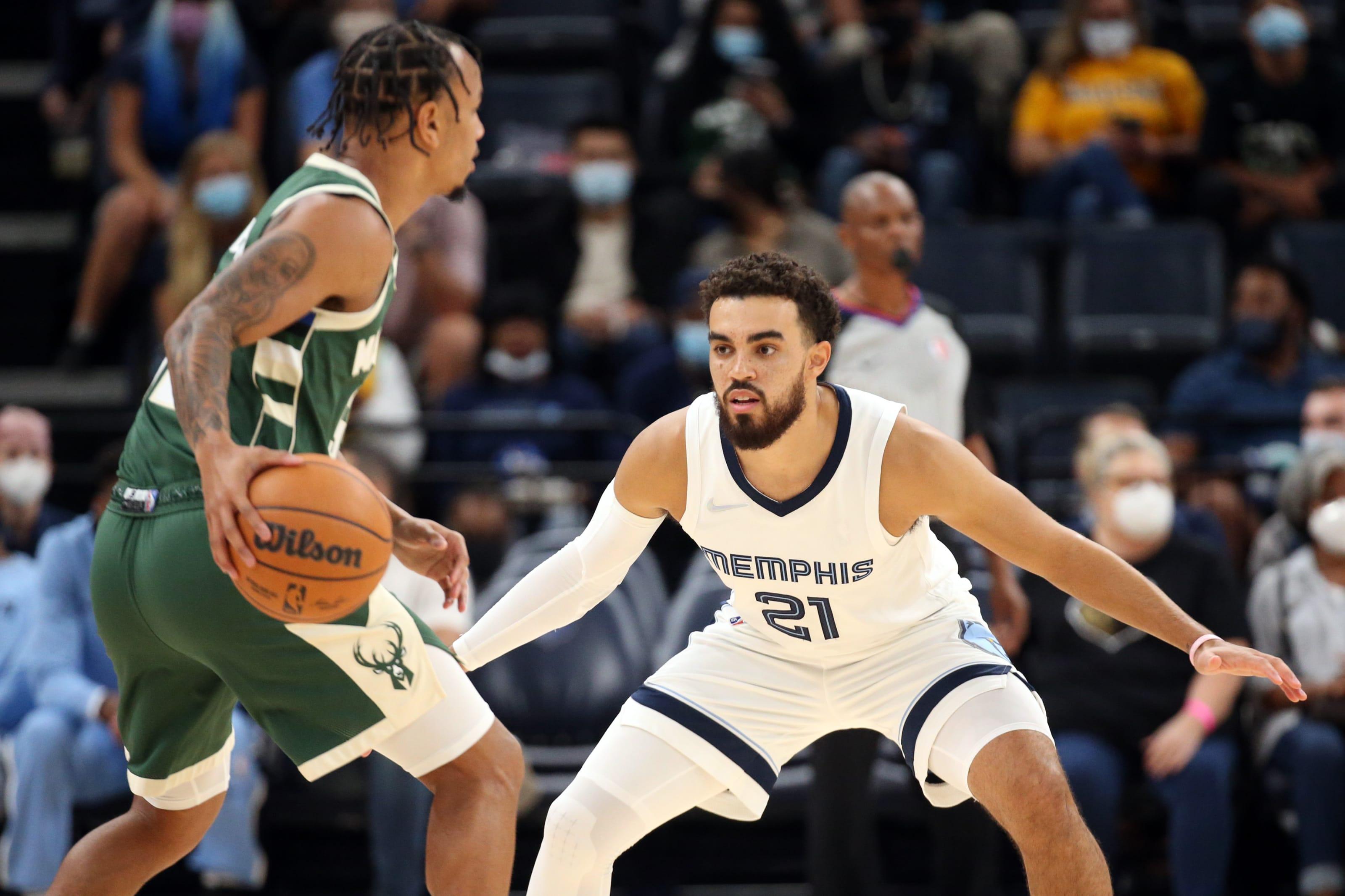 Milwaukee Bucks: Justin Robinson, Memphis Grizzlies: Tyus Jones
