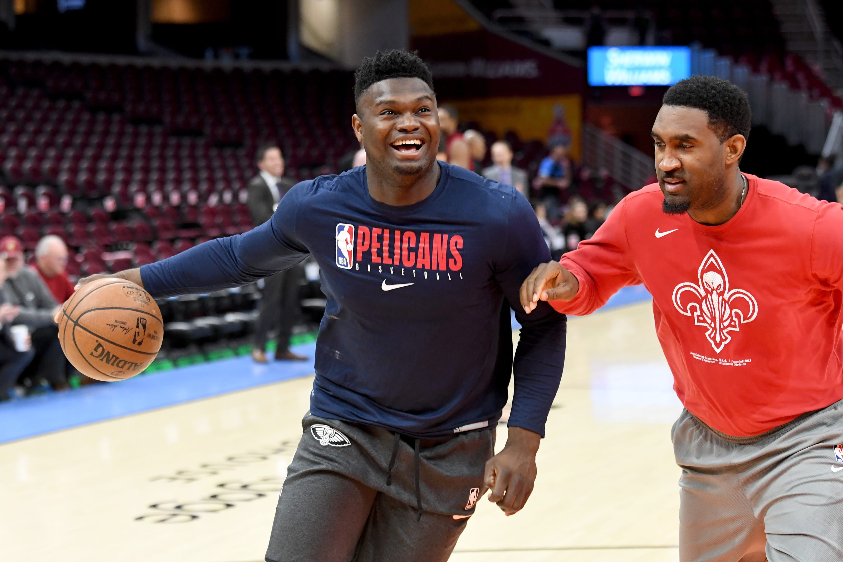 Zion Williamson hits the court for warm ups with the New Orleans Pelicans