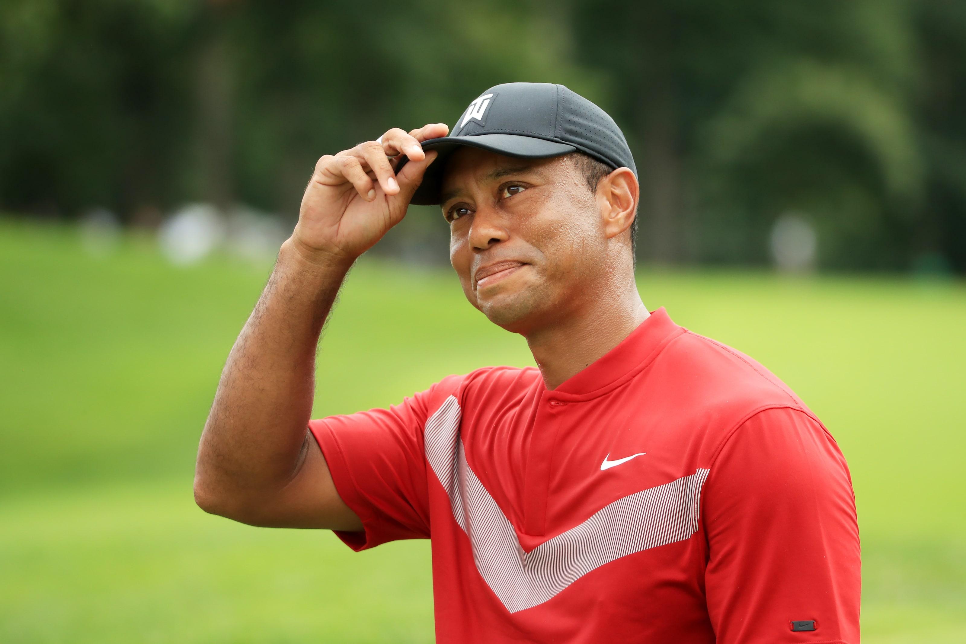 Tiger Woods: Tiger's Top 10 Greatest Career Shots