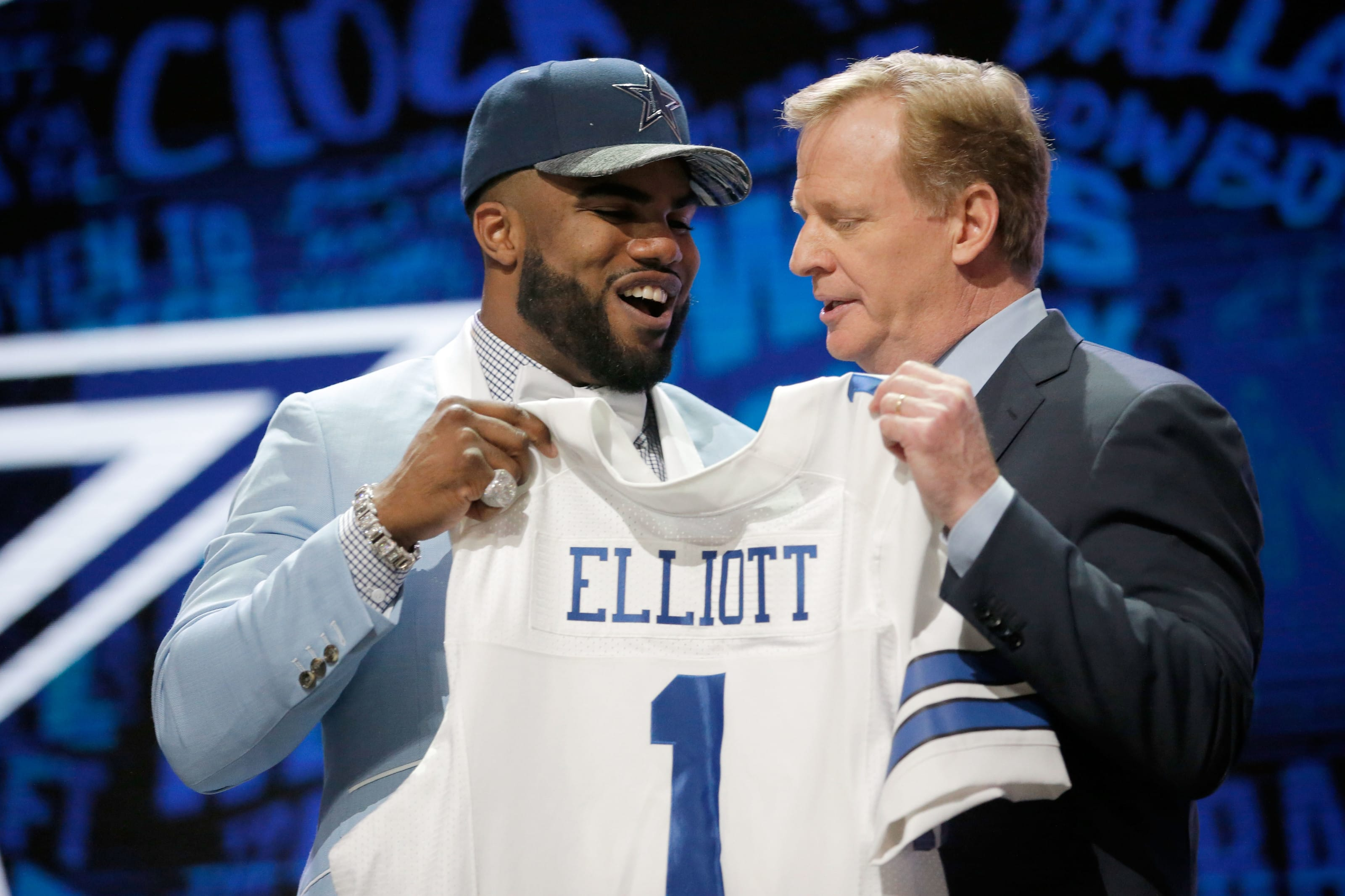 Dallas Cowboys drafting for defense in the first round makes sense