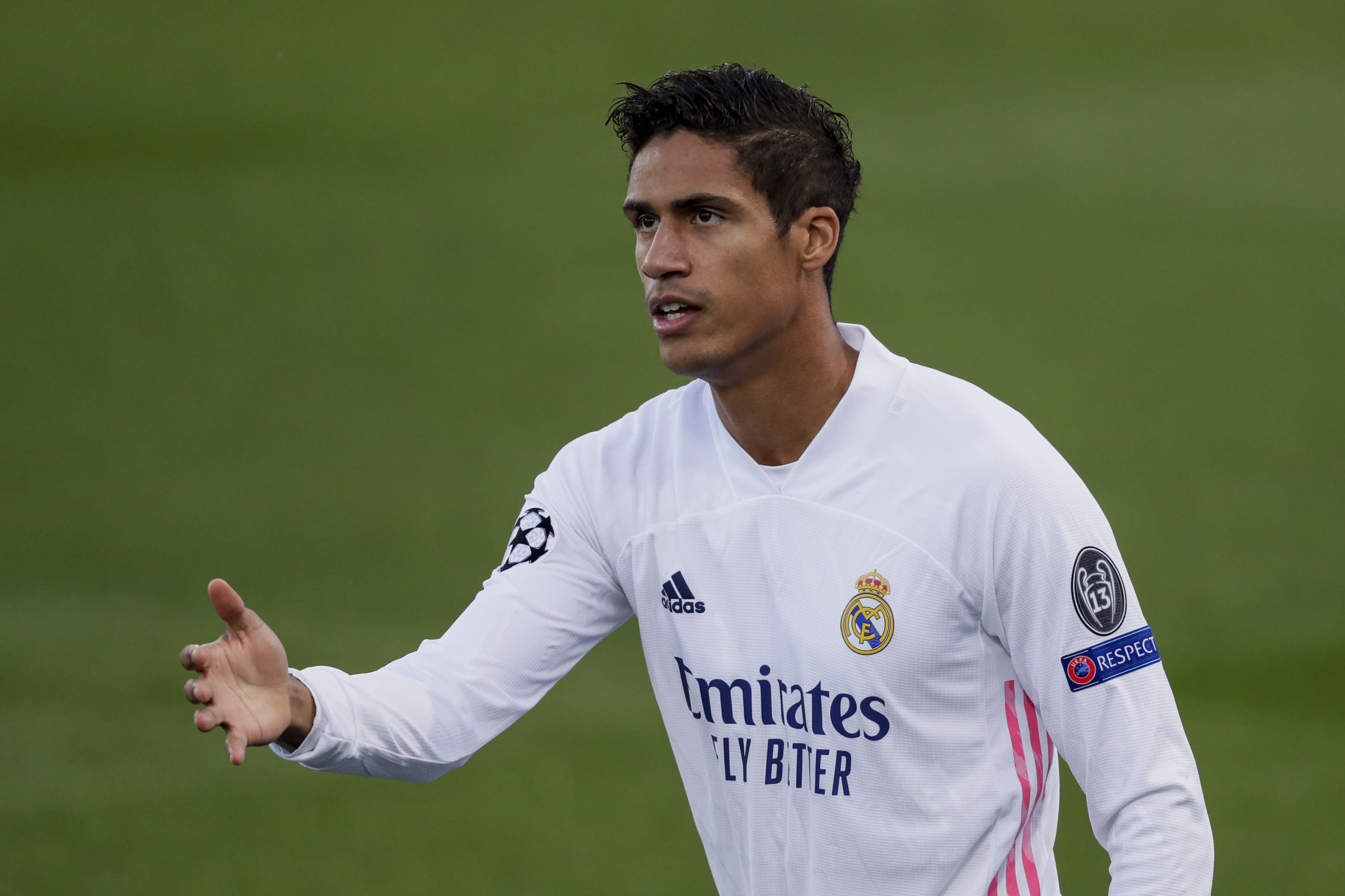 3 reasons why Real Madrid aren't trying hard to keep Raphael Varane
