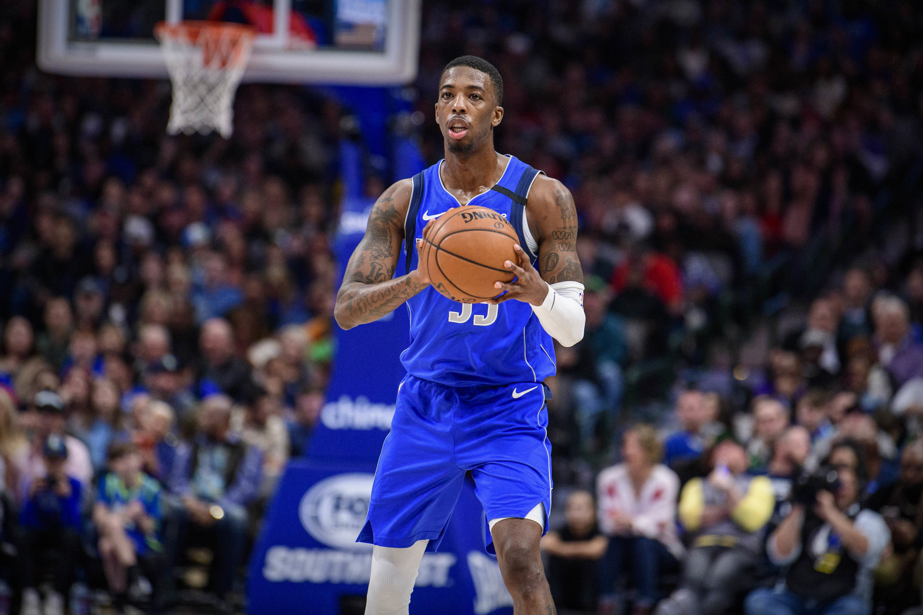 Dallas Mavericks, Delon Wright