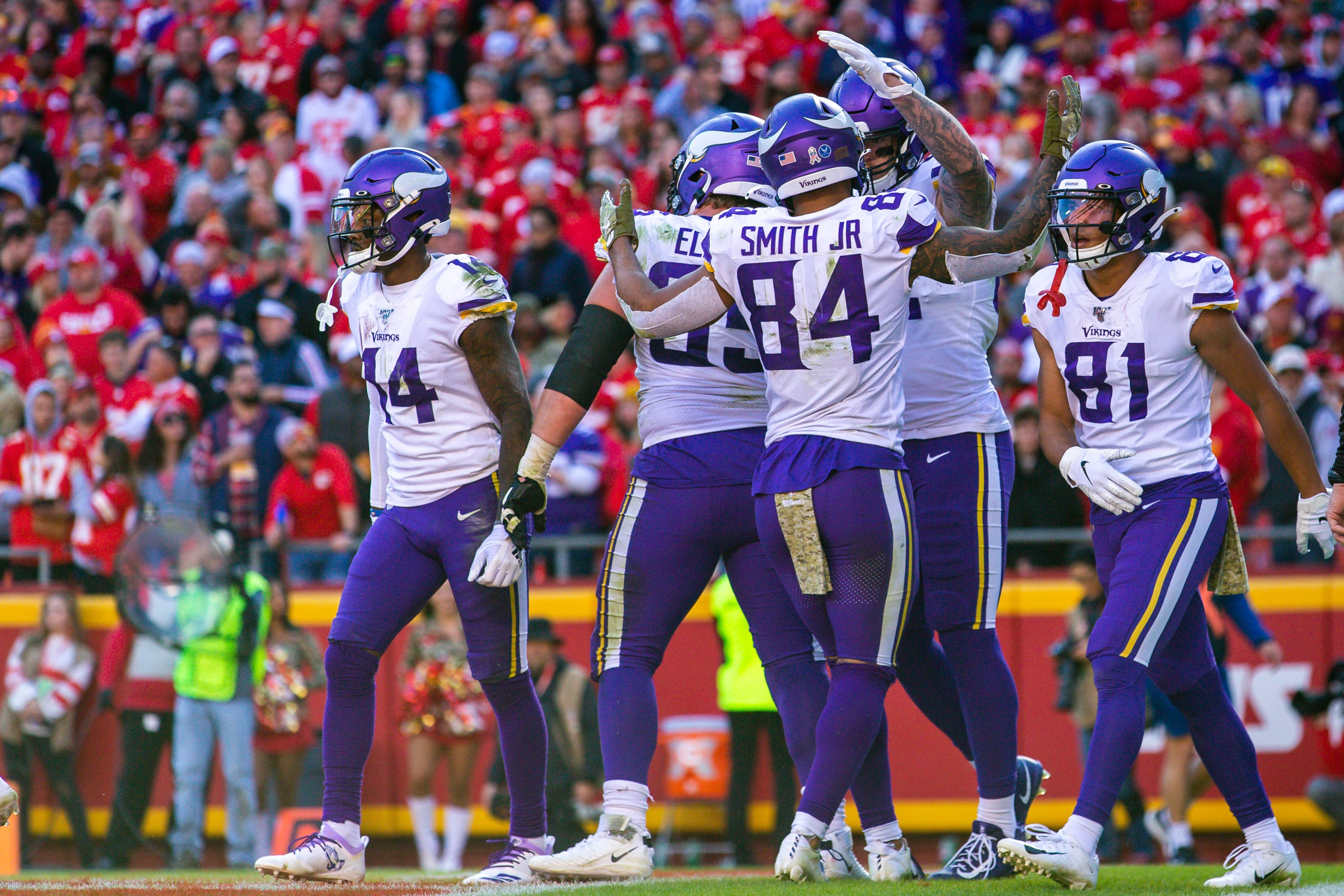 KANSAS CITY, MO - NOVEMBER 03: Minnesota Vikings celebrate in the end zone after a touchdown during the game against the Kansas City Chiefs on November 3, 2019 at Arrowhead Stadium in Kansas City, Missouri. (Photo by William Purnell/Icon Sportswire via Getty Images)
