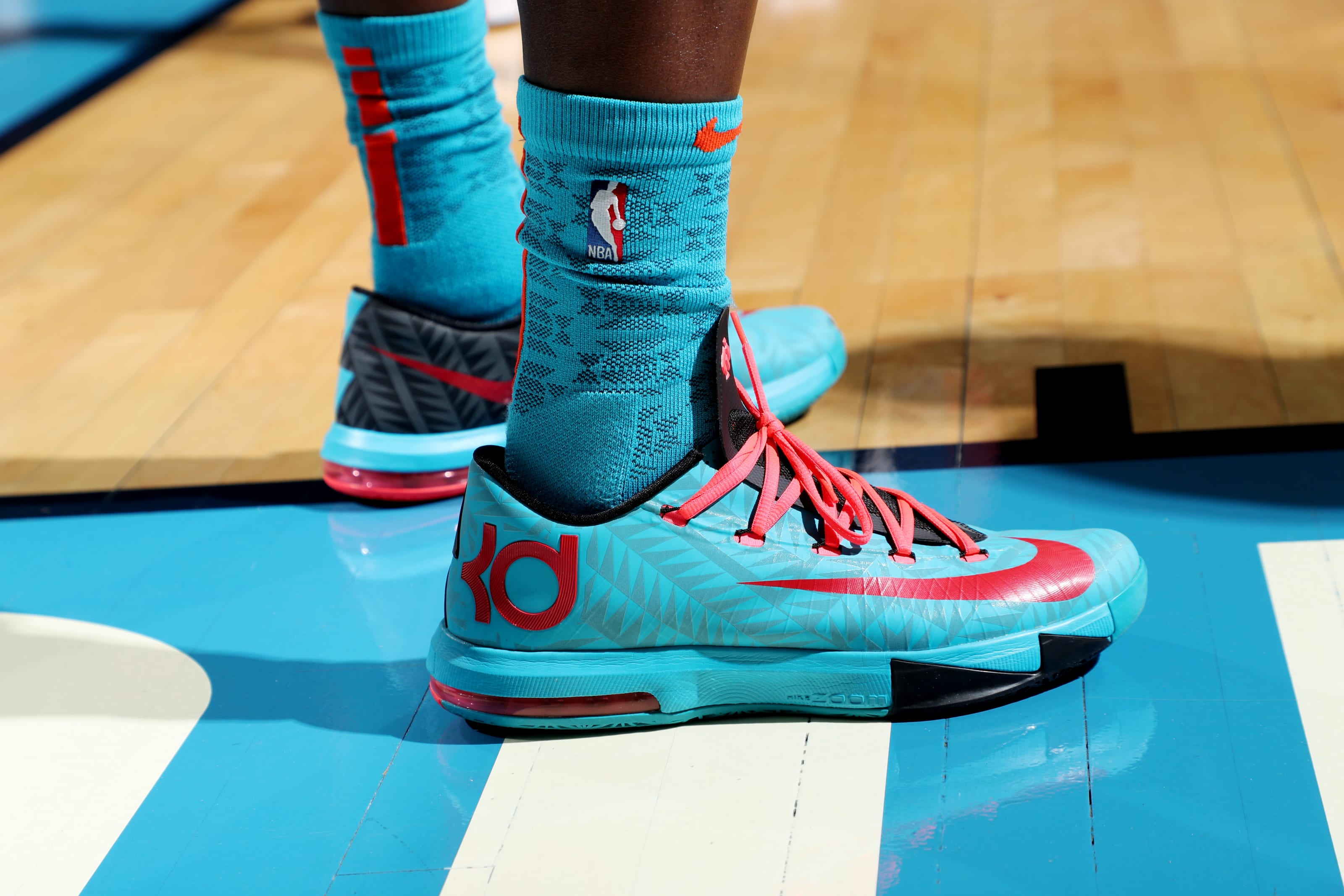 sneakers worn by OKC Thunder