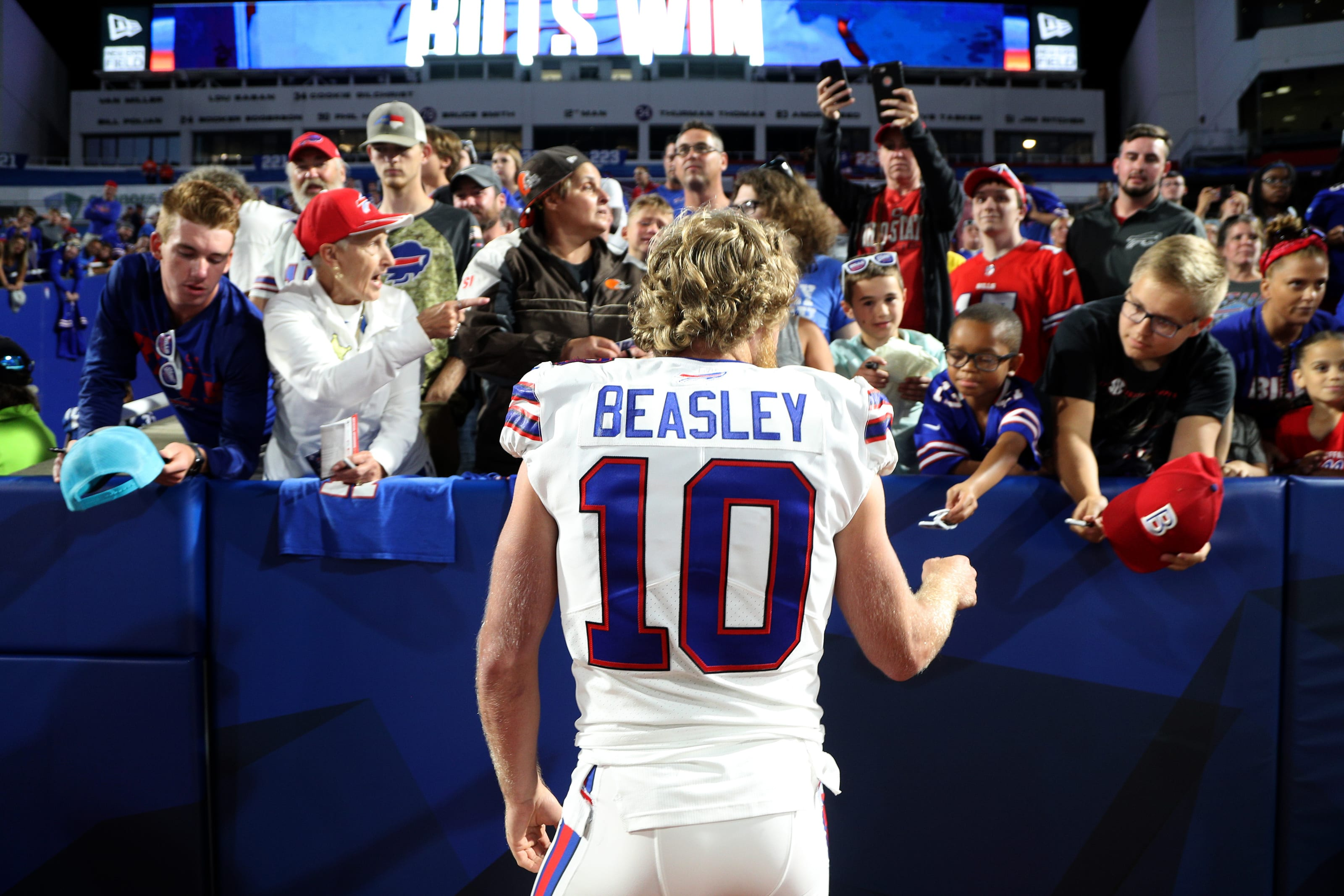 Buffalo Bills 4 Potential Options To Tackle Wide Receiver Problem