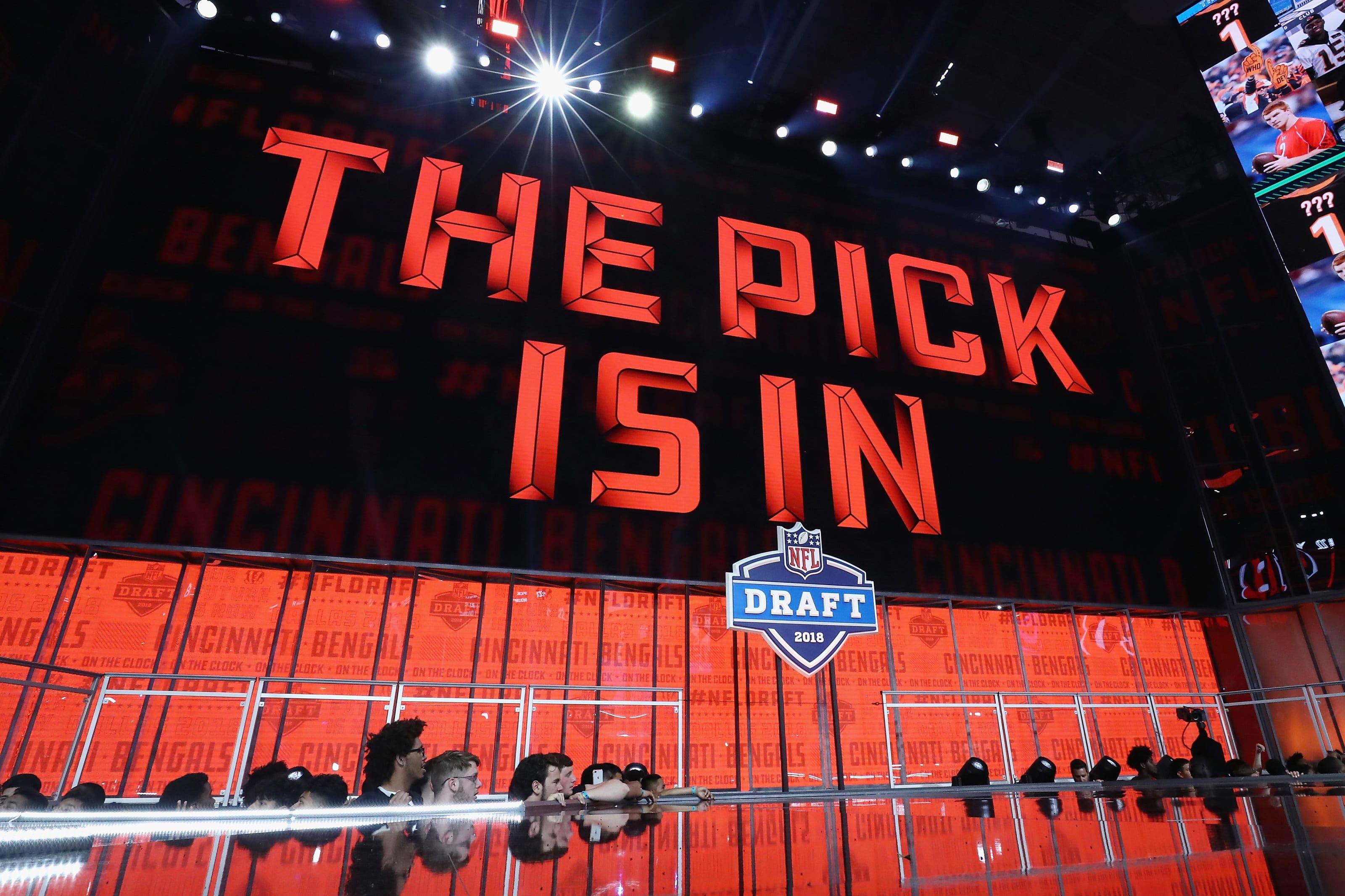 Nfl On Christmas 2020 2020 NFL Draft: Joy to the World! Christmas Eve 3 round mock draft