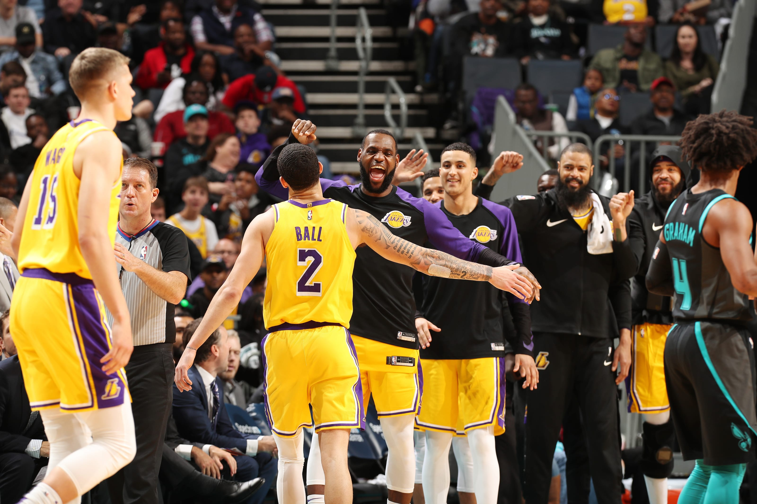 Los Angeles Lakers: 3 Lessons from win against Hornets