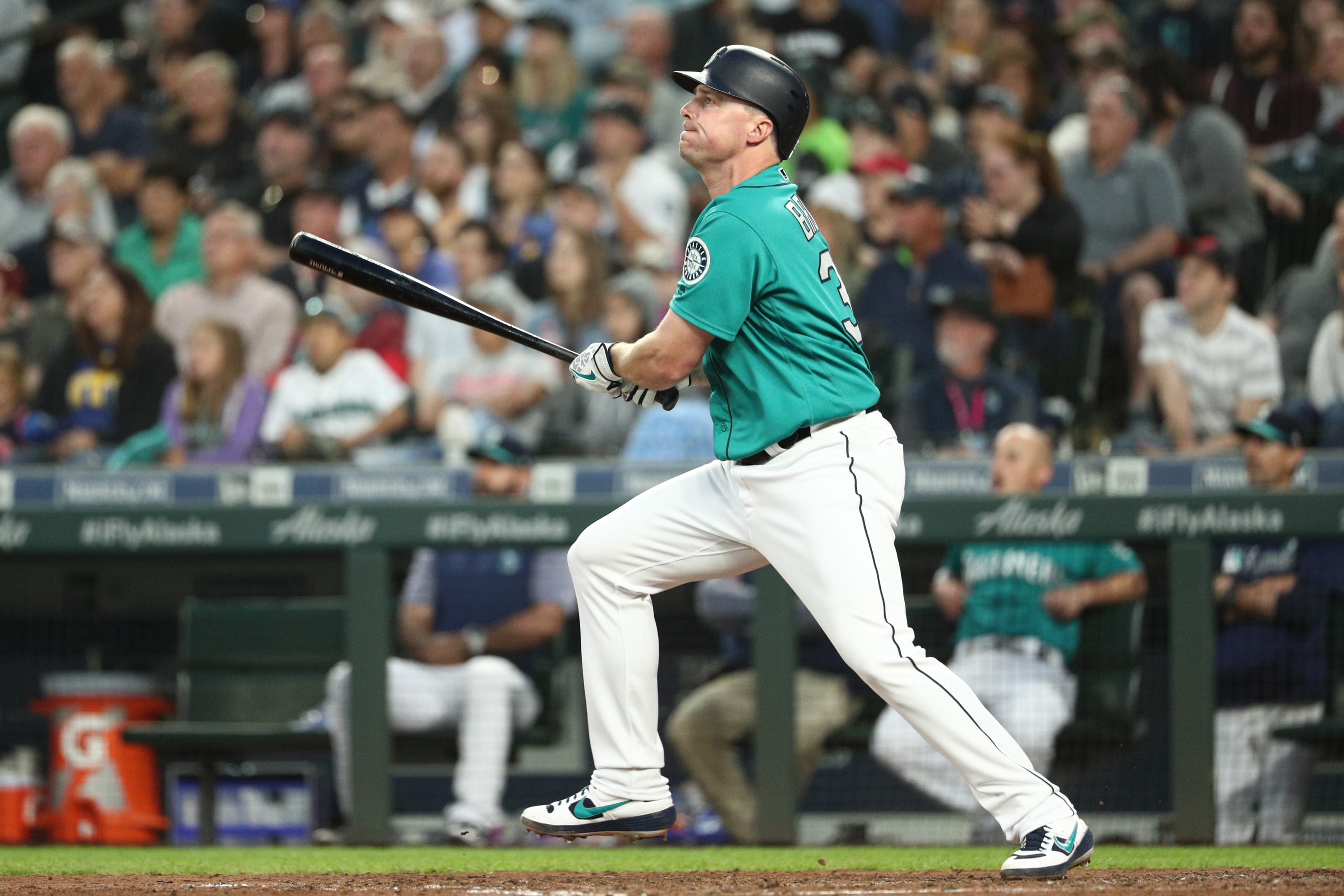 Jay Bruce of the Mariners swings.